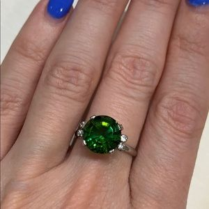 18K W gold natural green tourmaline & diamond RING